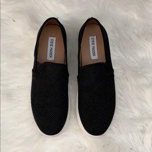 BRAND NEW NEVER WORN Black Steve Madden Sneakers